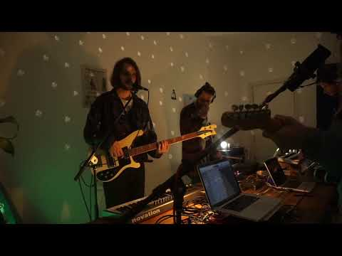 Bob and the Apple - Strangers - Live Session