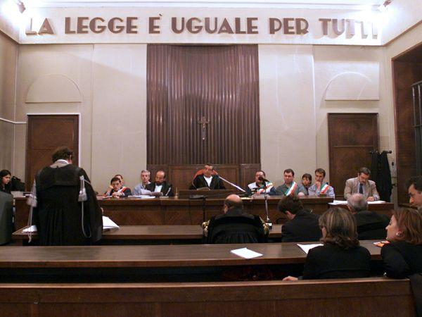'Spese pazze' Università Firenze,altro processo prof Schiavone