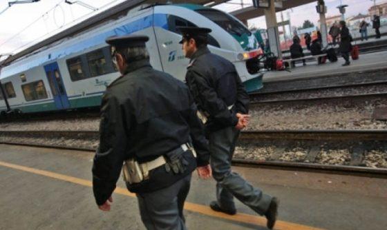 Da Torino a Firenze in bus con 1/2 chilo di droga, arrestata 31enne