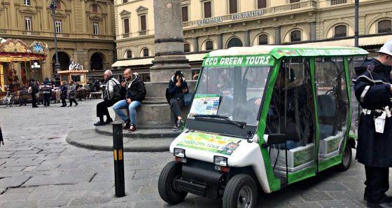 4 risciò e 13 bus turistici multati dalla Municipale