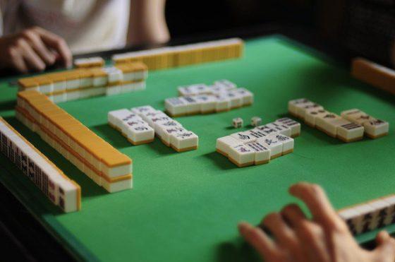 Gioco d'azzardo: a Prato circolo adibito a bisca, 14 denunciati