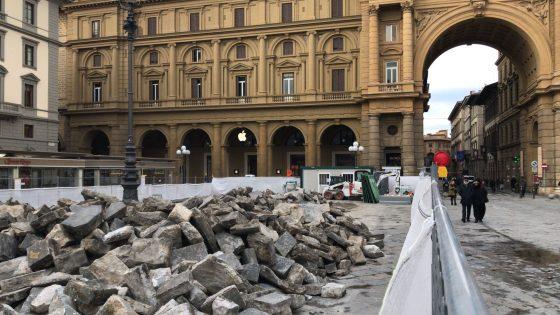 Piazza della Repubblica, rifacimento pavimentazione in pietra