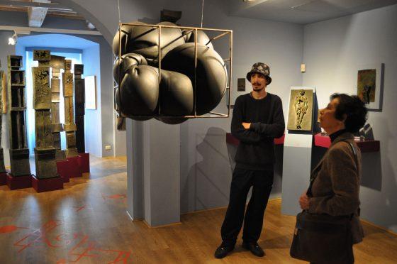 Tre giovani artisti si confrontano con la Collezione del museo del Cassero