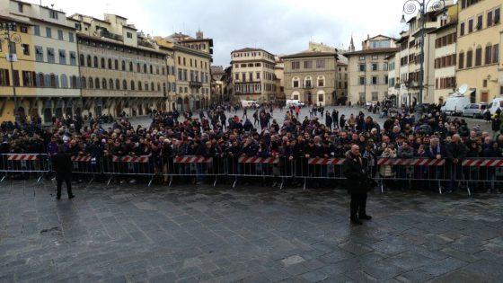 Funerali Astori: oggi l'ultimo saluto in S. Croce, lutto cittadino