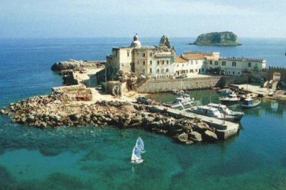 Yacht patron Sampdoria Ferrero troppo vicino a Pianosa: forestali lo multano