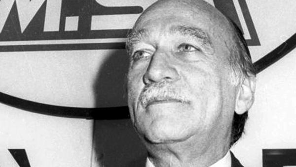 Strade intitolate ad Almirante e Berlinguer
