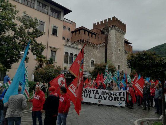 Incidenti sul lavoro: 'basta morti in cava', corteo a Carrara