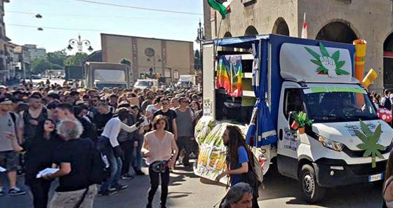 Canapisa 2018, 3500 alla street parade antiproibizionista