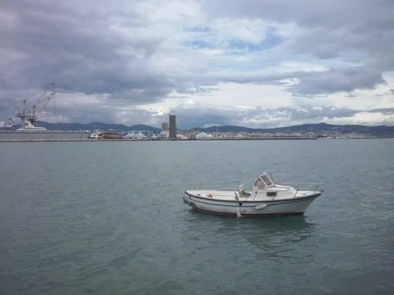 Livorno: manifestazione protesta pescatori per divieto ormeggio a dighe