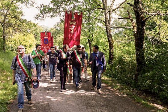 400 a marcia Barbiana a sostegno istruzione pubblica