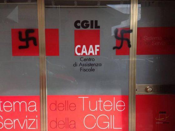 Ancora svastiche naziste su sede Anpi Carrara e a Cgil Massa