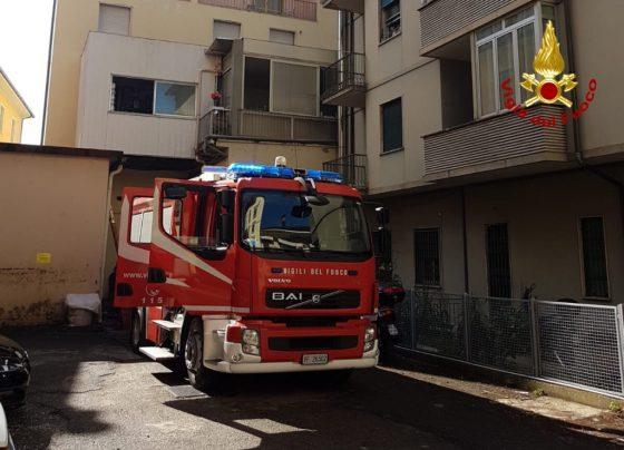 Hotel in fiamme a Montecatini, evacuate 150 persone