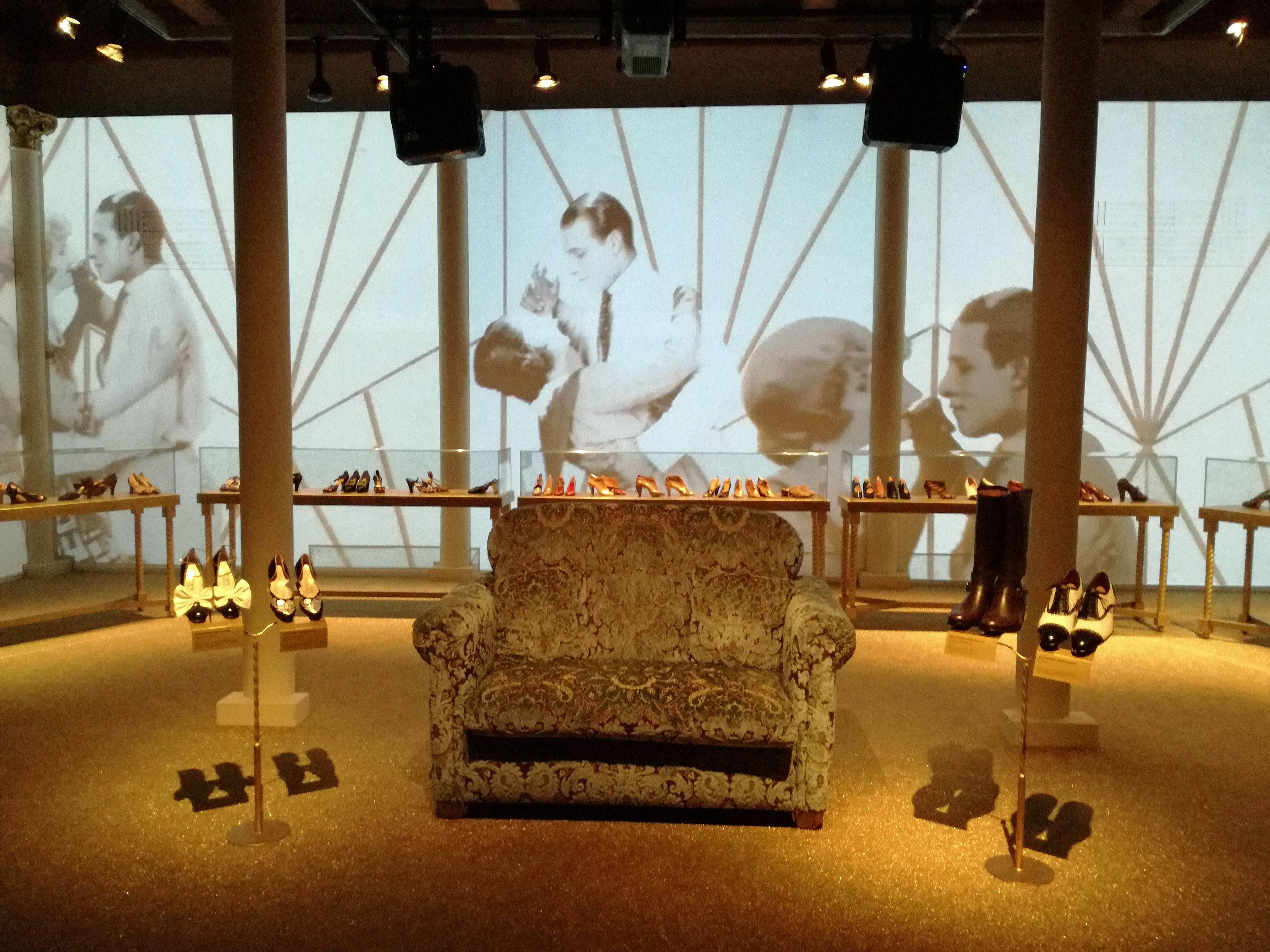 on sale 226c4 39ed1 L'Italia a Hollywood è la nuova mostra al Museo Ferragamo a ...