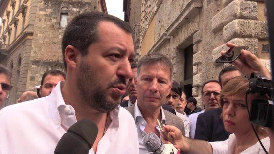 """Pisa, sgombero 'Galeone occupato'; Salvini esulta: """"La pacchia è finita"""""""