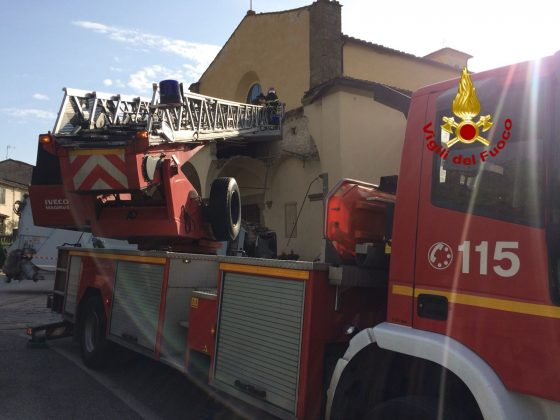 Crollo porticato chiesa: indagato autista camion rifiuti