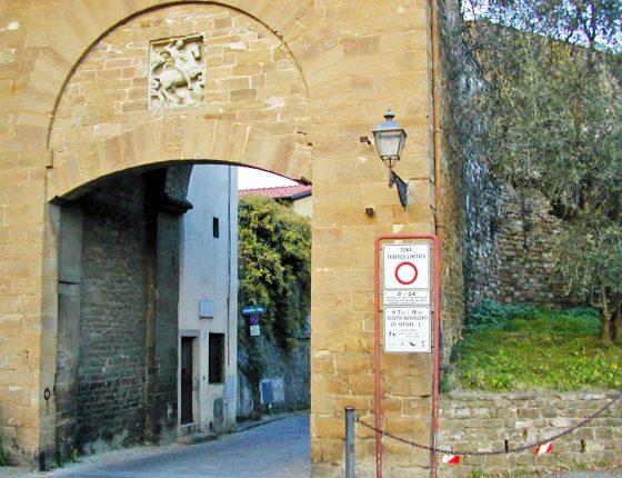 Restauro di Porta San Giorgio sul colle di Boboli