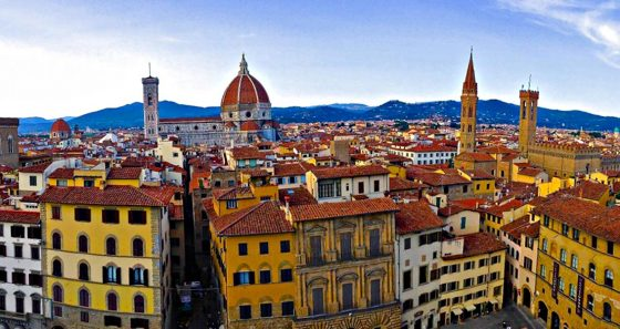 Turismo:   'mordi e fuggi' in calo a Firenze