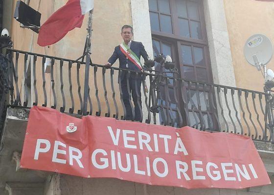 Anche Pisa abbandona Giulio Regeni, rimosso lo striscione in suo ricordo