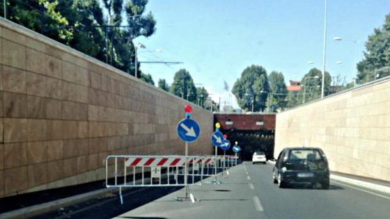 Restringimento di carreggiata nel sottopasso di viale Strozzi