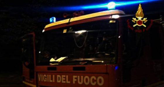 Arezzo: fiamme in annesso agricolo, donna intossicata