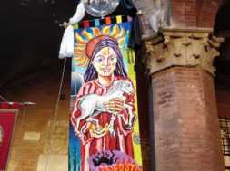 """Palio di Siena: drappellone senza benedizione, vescovo """"non rispetta caratteri cultura mariana"""""""