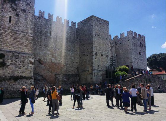 Castrum Pratii: visita guidata alle origini del borgo antico