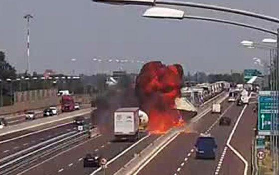Incendio Bologna: raccordo Casalecchio riaperto, scambio carreggiata per chi arriva da Firenze