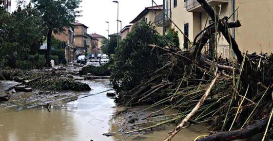 """A Livorno come a L'Aquila,""""brinderemo per alluvione"""": nuovo arresto per ex coord. protezione civile"""