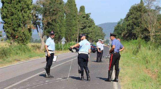 Scontro a Grosseto tra camper, auto e moto: muore 64enne