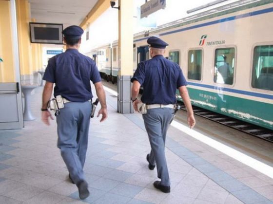 Due agenti Polfer feriti a Firenze in parapiglia alla stazione