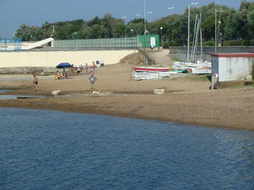 Arpat: stop temporaneo bagni in 5 aree tra Livorno e Versilia