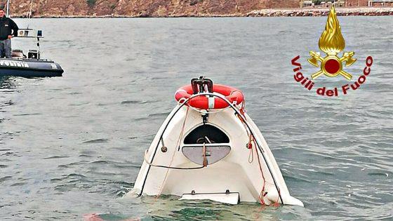 Affonda imbarcazione, salvi due uomini
