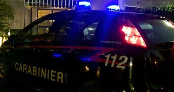 Marina di Pietrasanta: aggredisce e minaccia compagna, arrestato