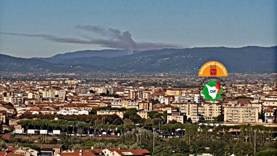 Incendio sui monti di Massa e Cozzile