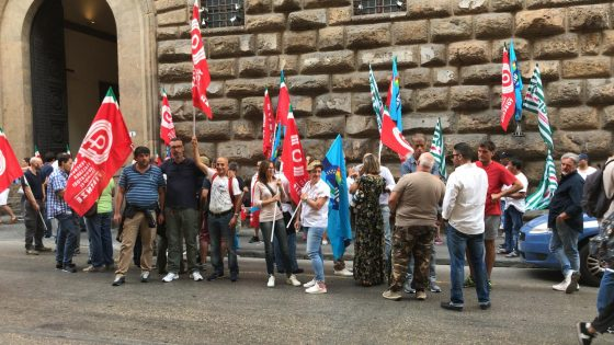 Fs: appalti pulizie treni, 50 posti a rischio in Toscana
