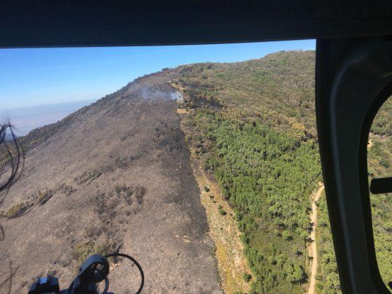 """Incendio nel Pisano: sopralluogo aereo Rossi, """"un fronte attivo, sotto controllo"""""""