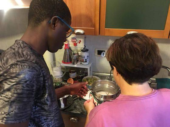 Riproposta #apriteleporte: migranti uniti alle tavole delle famiglie pistoiesi