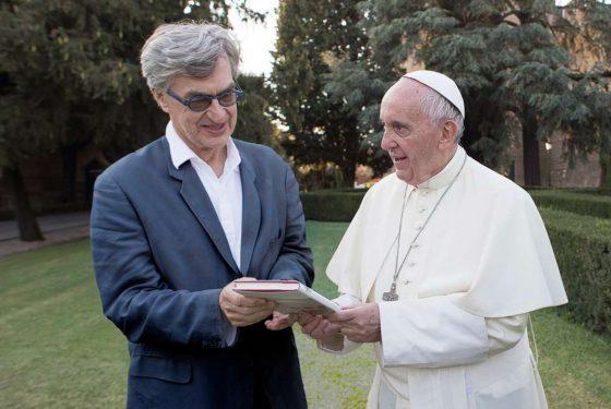 """""""Papa Francesco: un uomo di parola"""" all'Odeon la prima di Wim Wenders"""