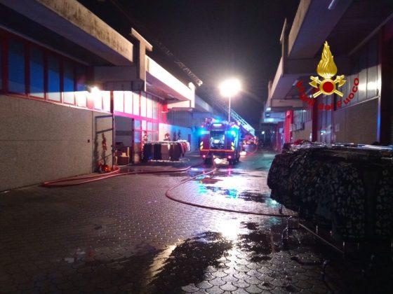 Prato: incendio e crollo in fabbrica Macrolotto, escluse vittime o feriti