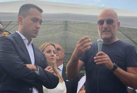 Bekaert Calosi (FIOM) e l'ex ministro Di Maio ai cancelli della bekaert