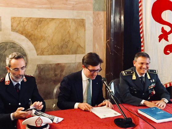 Firenze, San Lorenzo: Gdf scopre 400mila euro di evasione