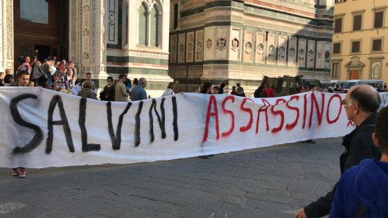 "Firenze, striscione studenti: ""Salvini assassino"""