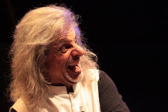 """Teatro Puccini: Alessandro Bergonzoni in """"Trascendi e sali"""""""