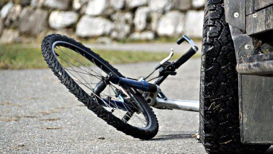 Pirati strada: fuga dopo investimento ciclista, preso a Prato