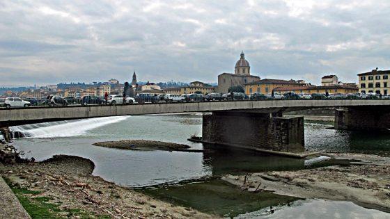 Da lunedì chiuso ai veicoli il ponte Vespucci