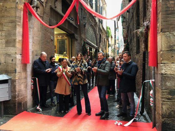 """""""Salviamo i centri storici"""" – Parte Chiasso di Natale a Lucca"""