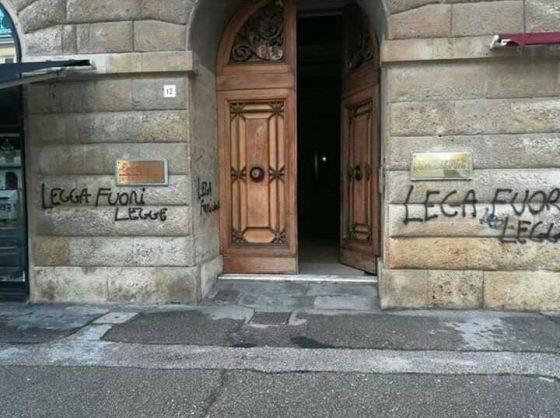 Livorno: Lega apre sede, 200 a presidio protesta