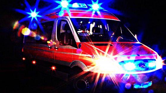 Auto pirata travolge ed uccide 17enne a bordo strada