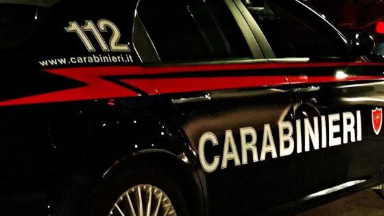 Chiusi (SI): donna accoltellata in casa, carabinieri fermano figlio
