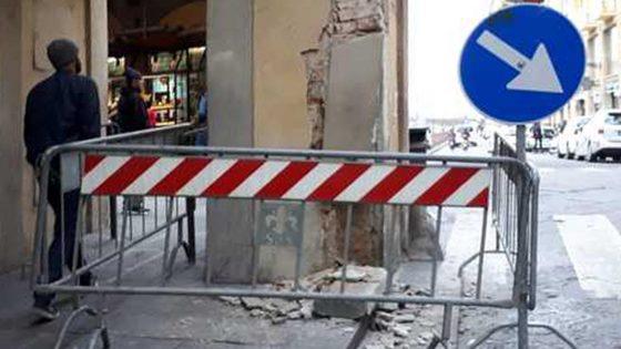 Colonna Corridoio Vasariano: camion in retro l'ha danneggiata